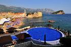 Montenegro - klassisk hotell ved strand og by